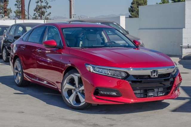 New 2018 Honda Accord Touring 2 0t 4d Sedan In Culver City Ja000623